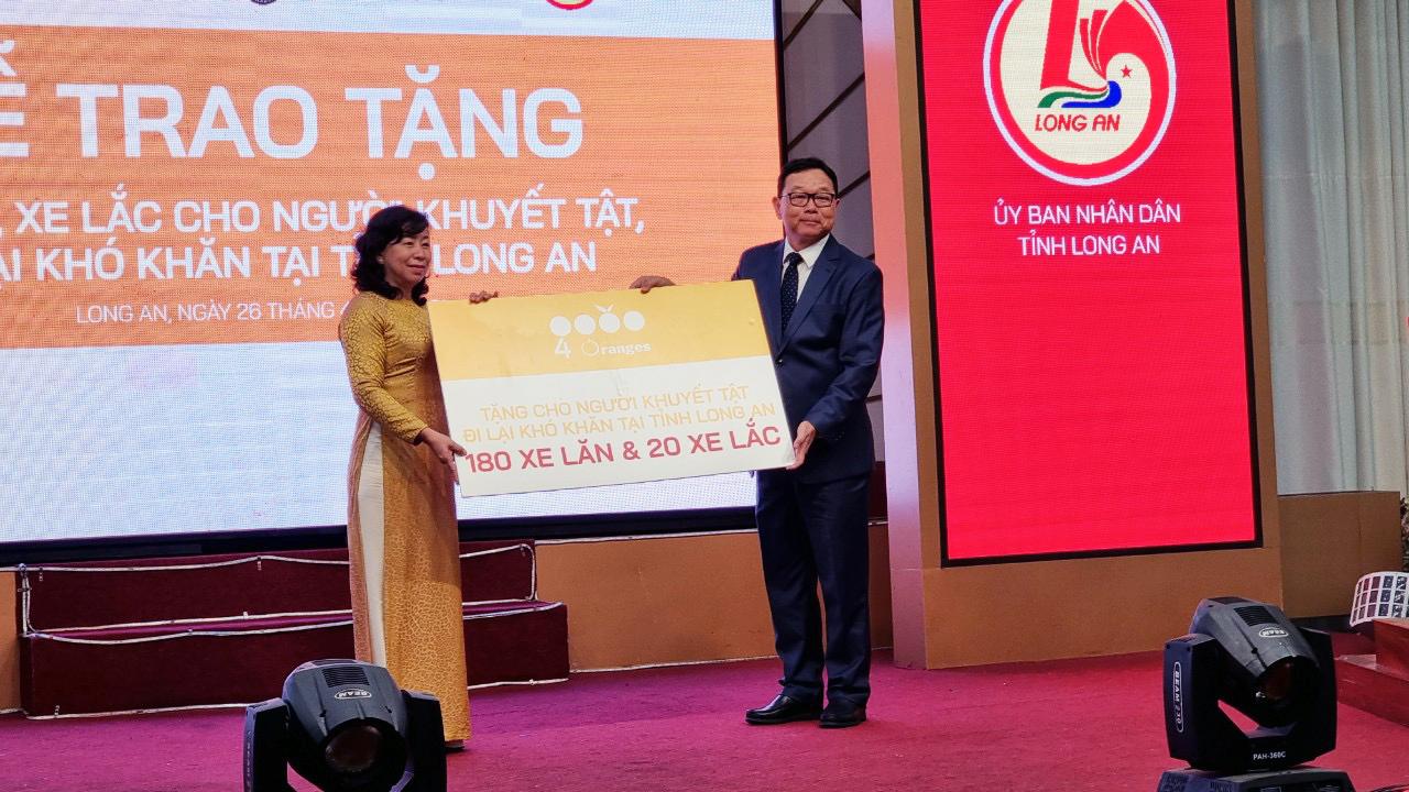 Công ty 4 Oranges Co., Ltd đồng hành cùng Tổng lãnh sự quán Hoàng gia Thái Lan trao tặng trên 200 chiếc xe lăn, xe lắc tại Long An
